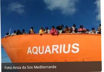 Más de 600 migrantes atrapados en aguas Italianas.