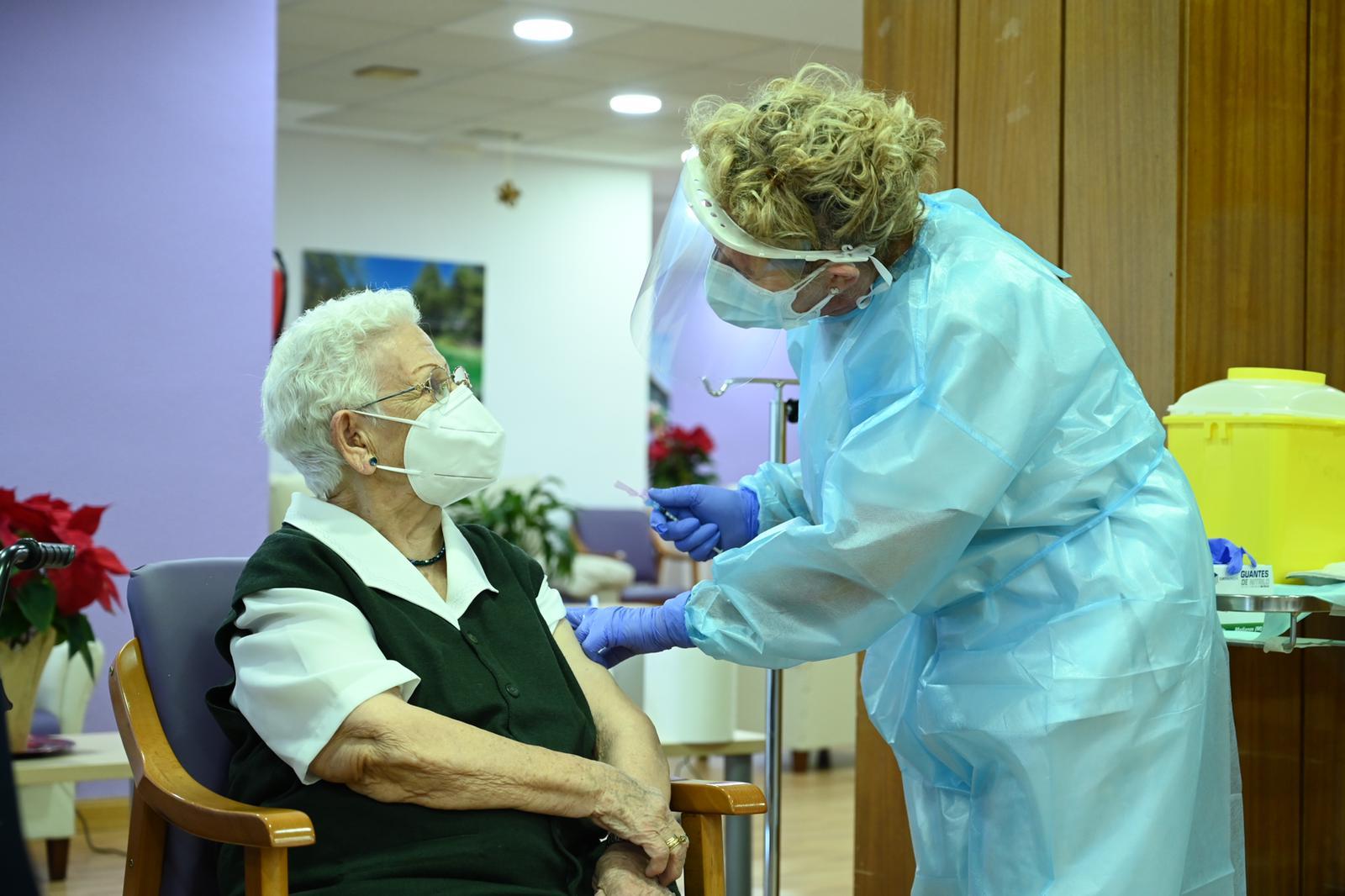Comienza vacunación en España.