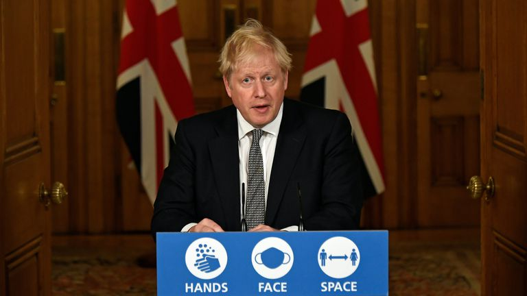 Reino Unido vuelve al confinamiento como en primavera del 2020